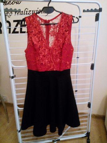 Czarno-czerwona sukienka z prześwitującymi plecami Rozmiar L