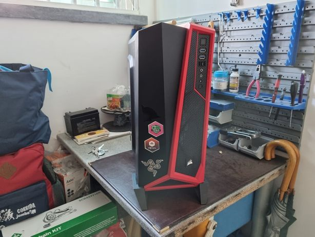 Caixa corsair alpha black and red