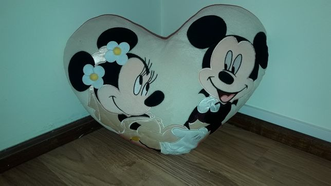 Almofada original disneyland minnie e Mickey nova