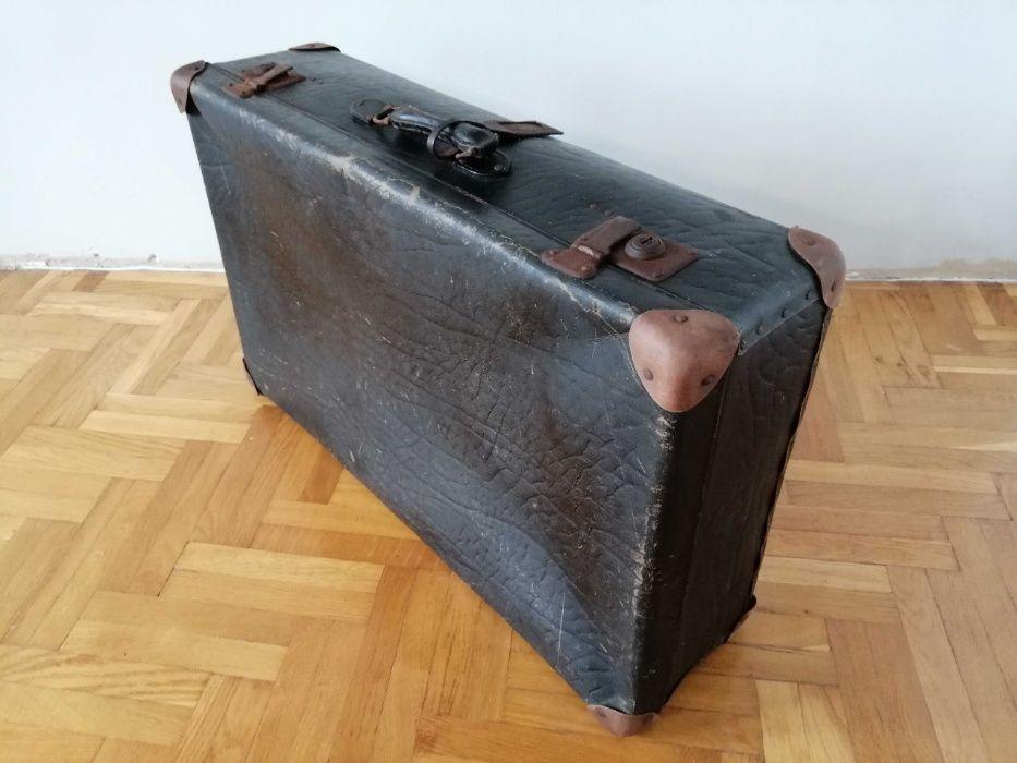 Stare walizki PRL