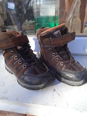 Оддам ботинки зимние 29 р