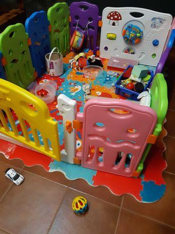 Parque bebé 9M-3A e tapete (porta com fecho segurança)