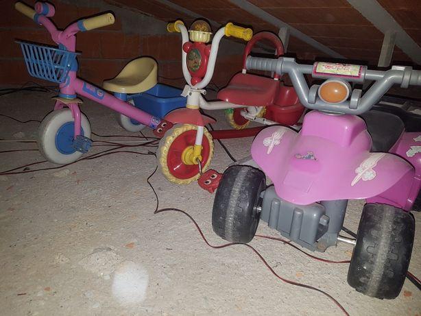 Triciclos e moto 4 a bateria(para crianças)