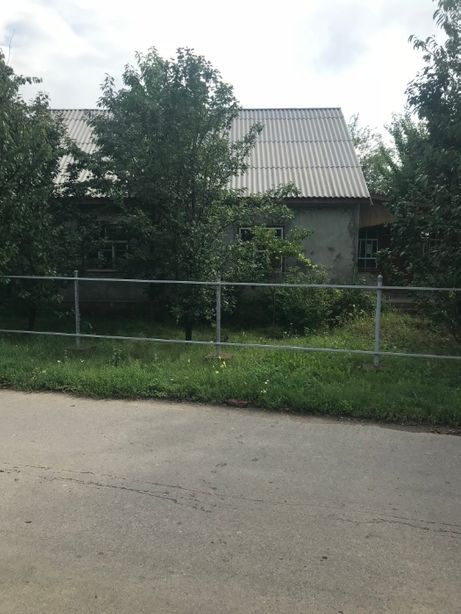 продається будинок з участком землі 23соток с.Піківець,вул. Робітнича4