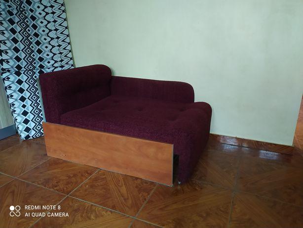 Fotel łóżko jednoosobowe bordowe