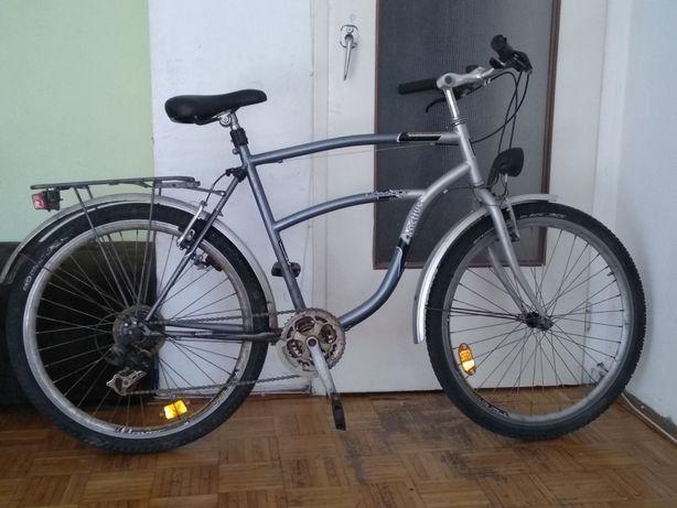 Sprzedam rower w dobrym stanie z lampa na dynamo. Rozmiar kola 26Sprze