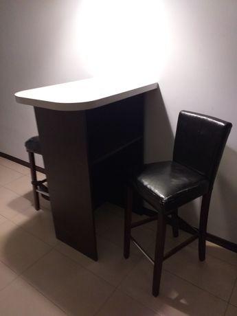 Stół stolik barowy plus 2 krzesła barowe ekoskóra.