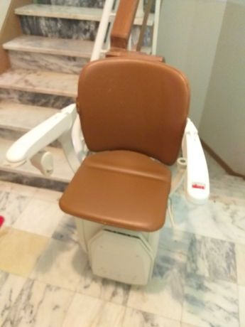Cadeira de escada STANNAH para idosos ou mobilidade reduzida