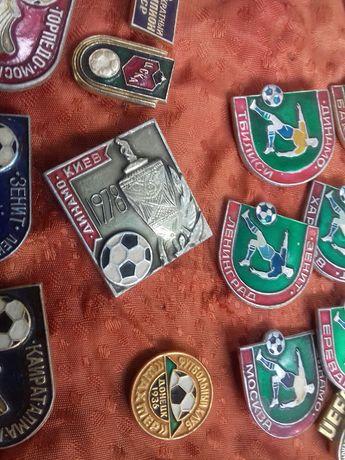 Значки по футболу 28 шт за 1 т.руб