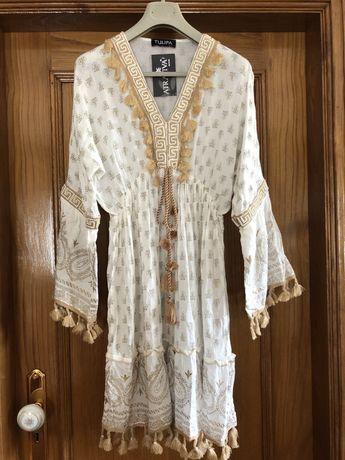Vestido verão dourado e branco com pérolas