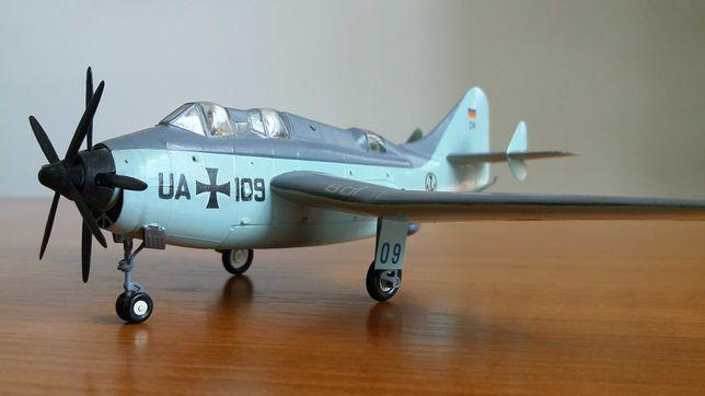Модель самолёта Fairey Gannet AS.4  1:72