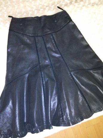 Elegancka czarna spódniczka r.40 l Free Neven