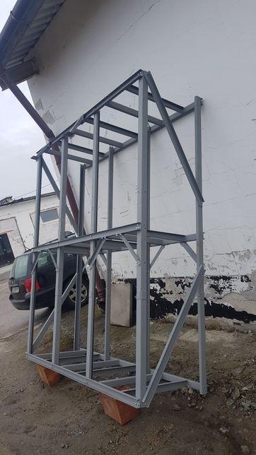 metalowy regał albo skrzynia bardzo mocny około 800 kg ladownosci