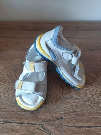 Sandalki rozmiar 22