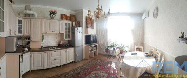 Продам квартиру в новом кирпичном доме Центр