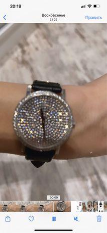 Часы с осколками бриллиантов размер 35 мм Adaman peaget