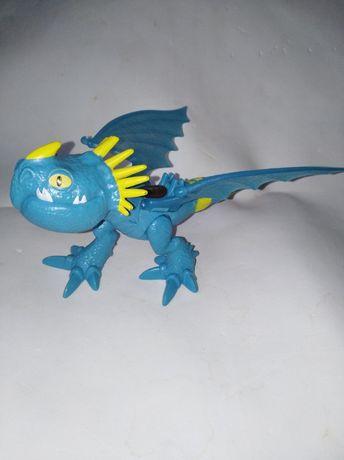 дракончик из Как приручить дракона