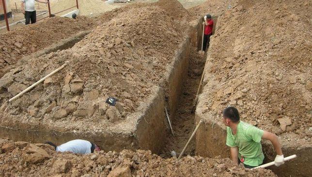 Перекапываем огород, копаем ямы, траншеи!