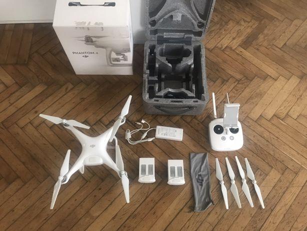 DJI Phantom 4 квадрокоптер (дрон)