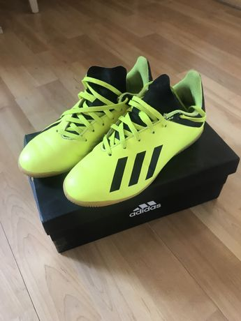 Halówki Adidas X Tango r.34