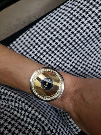 Эффектные часы perfect с кристаллами swarovski и японским механизмом
