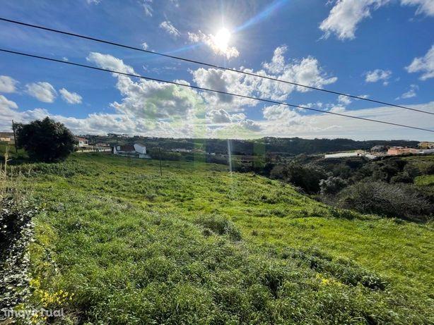 Terreno com ruína - Ericeira 10 km, A Casa das Casas