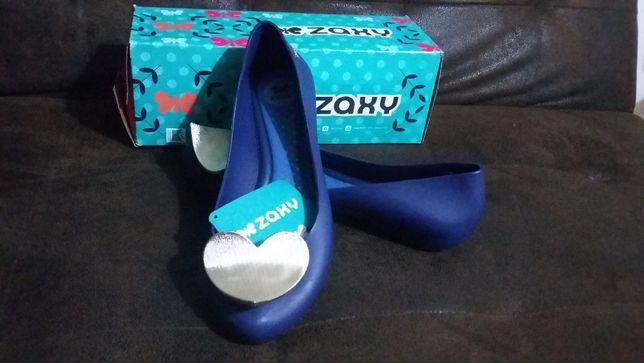Sapatos Zaxy Novos