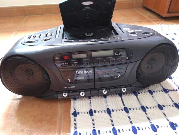 Rádio sem leitor cassetes nem CD
