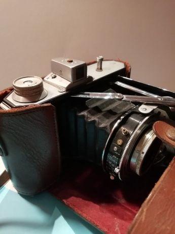 Máquina fotográfica Welta de fole muito antiga