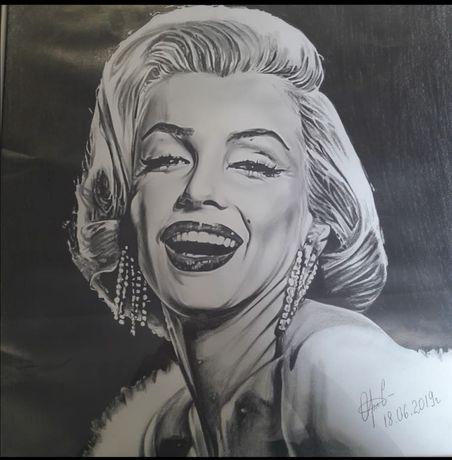 Портреты чёрным карандашом