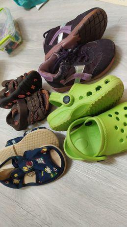 Детская обувь (цена за 4 пары)