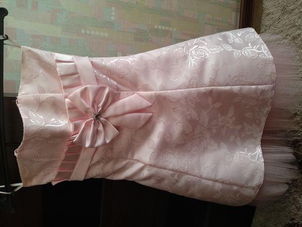 Платье нарядное на выпускной.
