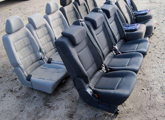 Продам сидения трансформеры со встроенными ремнями и детскими креслами