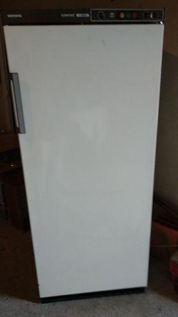 Arca congeladora vertical avariada