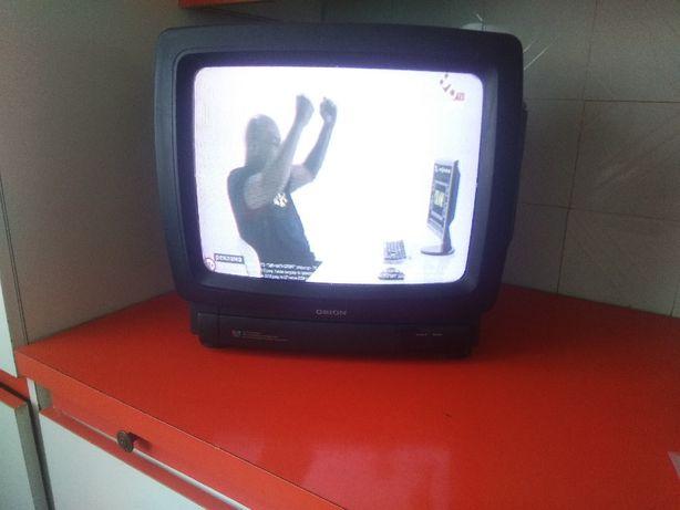 Телевизор ORION с пультом диагональ экрана 35 см