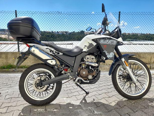 Moto UM Adventure TT 125cc