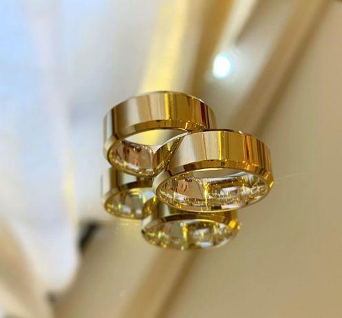 Elegancka Para Złotych Obrączek Ślubnych Profil Płaski Fazowany