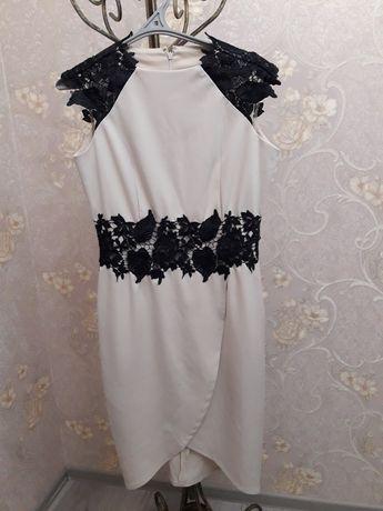 Нарядні плаття. Стан ідеальний