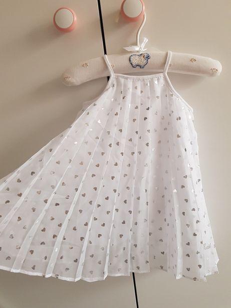 Guess nowa sukieneczka 6-9 m plisowana w srebrne serca