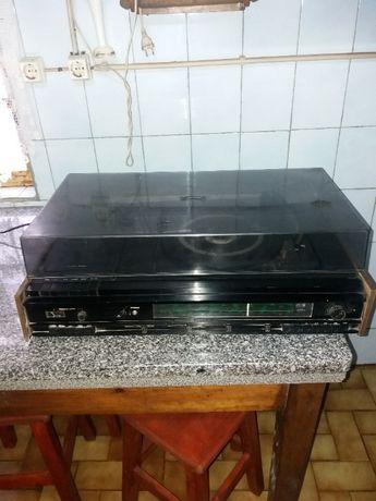 Aparelhagem gira discos e gira discos individual