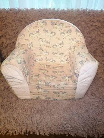 Fotel dziecięcy w jednorożce