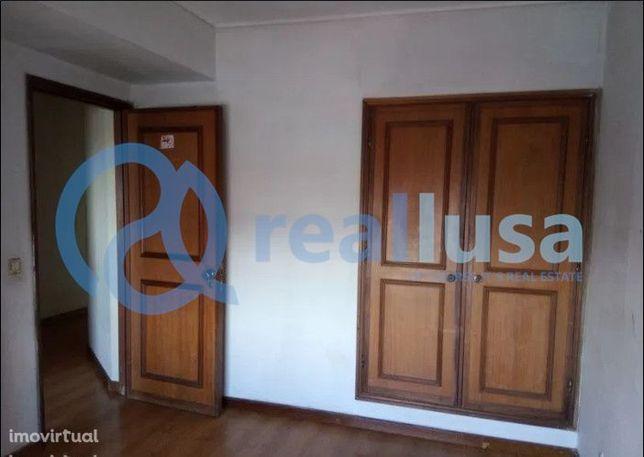 Apartamento T2 c/ Varanda e Lareira em Ílhavo, Aveiro, Excelentes cond