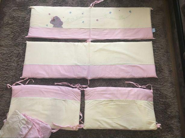 Постельный комплект в кроватку для девочки, бортики
