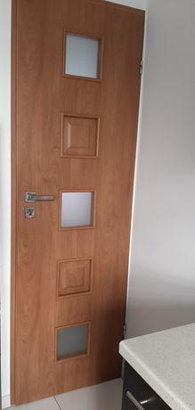 Drzwi wewnętrzne DRE model IDEA 60cm, plus ościeżnica i klamka,zadbane