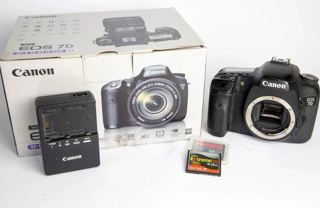 Canon EOS 7D ładowarka akumulator i karta CF