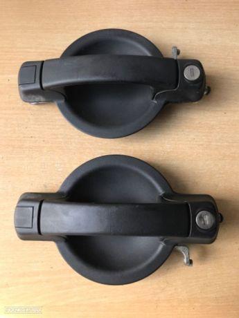 Puxadores das Portas Exterior  Fiat Doblo de 04 a 09