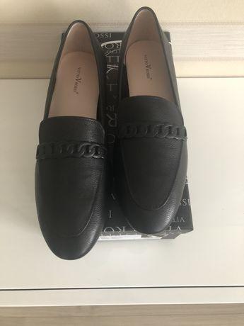 Продам новые кожаные туфли лоферы Vitto Rossi 39p