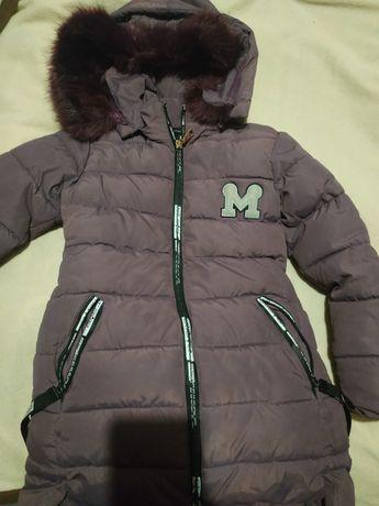 Продам зимнюю куртку на девочку 4-5лет.