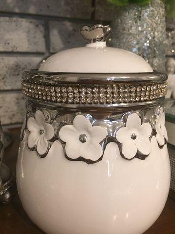 Pojemnik z cyrkoniami dekoracyjny błyszczący glamour czerń srebro biel