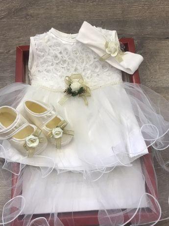 Платье на малышку 0-3 месяцев